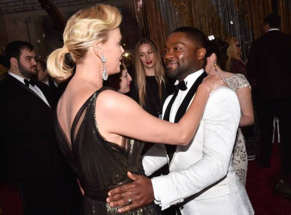 rs_1024x759-170226182253-1024-charlize-theron-david-oyelowo-oscars-candids-ms-022617