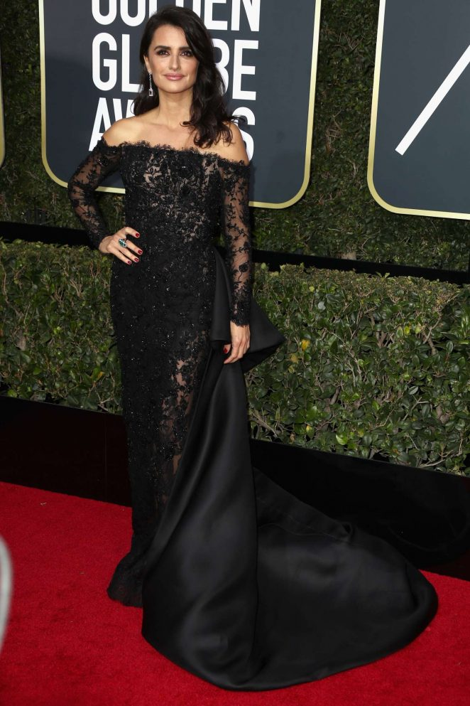Penelope-Cruz--2018-Golden-Globe-Awards--03-662x993